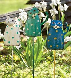 Springy Cat Garden Stake - another great gift idea to me :)