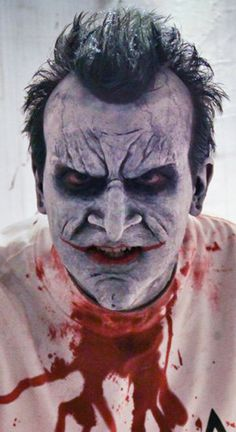 Absolutely fantastic makeup of the Joker from Batman: Arkham Asylum.