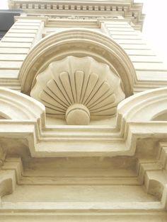 www.mam.com.uy Montevideo, Balcon Juliette, Architectural Elements, Decor Interior Design, Houses, Architecture, Building, Classic, Arquitetura