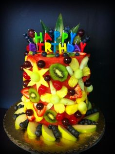 Fresh fruit cake Cake Made Of Fruit, Fresh Fruit Cake, Fruit Cakes, Watermelon Cakes, Watermelon Carving, Fruit Recipes, Real Food Recipes, Fruit Creations, Delicious Desserts