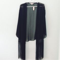 """• Victoria's Secret Cover • •Info NWT, a gift that went untouched and is just taking up space! This item says xs but I am a medium/large and it has a very similar drapy look! One size fits most!  •Measurements Length: 25.5"""" Width: 18"""" Sleeve: 14""""  •Materials 100% Polyester  •Care Hand wash cold separately, do not wring, dry flat.  No Trades  24 hour holds ONLY No alternate transactions Make reasonable offers through offer button   Closet Instagram: @alexandra.como  Personal Instagram…"""