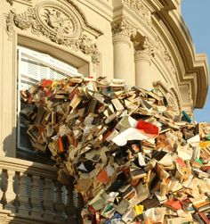 """Book Sculptures """"Biografies"""" by Alicia Martin (7 Pictures)"""