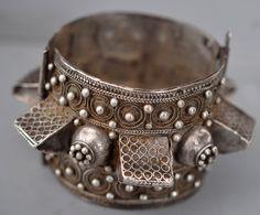 Morocco | Silver cuff with granulation ~ rare form  | 19th century | Private collection Linda Pastorino