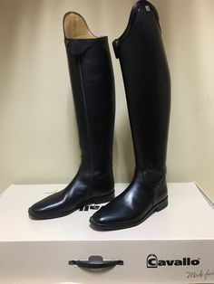 Cavallo Insignis Patent Trim Dressage Boot 7.5 (calf 36cm height 49cm) *New with Defects*