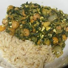 Spinach Chickpea Curry - great for a meatless mood and very flavorful over some nutty brown rice