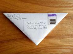 Carta convertida en sobre triangular
