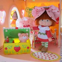 Berry Fancy Fun Room Toy Chest for Strawberry Shortcake Berry Happy Home Dollhouse | Brown Eyed Rose