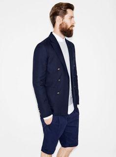 Bermúdas ergonómicas, blazer azul marino y colores flúor. Zara hombre Verano 2013