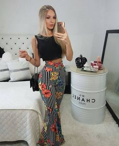 Summer 2018 and Resort 2019 trends and outfits Fashion Pants, Love Fashion, Fashion Looks, Fashion Outfits, Fashion Trends, 90s Fashion, Fall Fashion, Fashion Tips, Pantalon Elephant