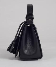 Black MECANO Nº1 side detail by LESS BORE  #handmade #eco #Leather #cowhide #luxury #LessBore #handbag #slowfashion