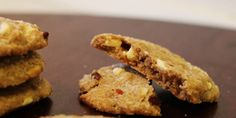 Jeg elsker lakrids! Her har jeg lavet lakridscookies med den bedste kombination af citronskal og lækre hvide chokoladestykker.