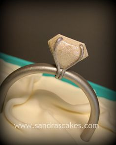 Gumpaste engagement ring - too fabulous