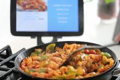 Smartypan, panela inteligente ensina quem não sabe cozinhar - http://chefsdecozinha.com.br/super/noticias-de-gastronomia/smartypan-panela-inteligente-ensina-quem-nao-sabe-cozinhar/ - #PanelaInteligente, #Smartypan, #Superchefs