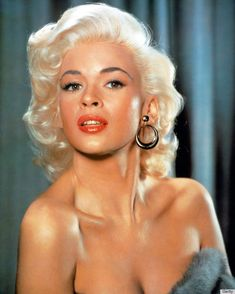 Jayne Mansfield: The platinum blonde bombshell who never quite become a Hollywood star Hollywood Stars, Golden Age Of Hollywood, Hollywood Glamour, Classic Hollywood, Old Hollywood, Hollywood Divas, Jayne Mansfield, Marilyn Monroe, Stars D'hollywood