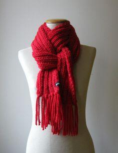 Bufanda Roja Larga con Flecos de Punto por knitBranda en Etsy e60d2ddff2e