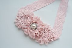 Chic Tea Rose Flower on Lace Headband | Hårpynt | Hårband for Babies Toddler | Photo Prop
