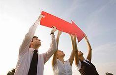 Wer nach vorne schaut, kommt leichter durch die Krise - Strategien gegen den großen Frust  http://www.focus.de/finanzen/karriere/berufsleben/tid-14070/motivation-strategien-gegen-den-grossen-frust_aid_393075.html