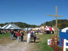 10 Unique Fall Festivals In Ohio You Won't Find Anywhere Else Fall Festivals In Ohio, Harvest Festivals, Farm Rio, Family Night, Rio Grande, Food Festival, Thing 1 Thing 2, Places To See, Road Trip