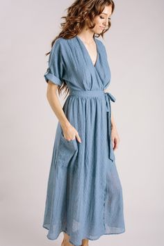 Shop the Karla Dusty Blue Wrap Midi Dress - boutique clothing featuring fresh, feminine and affordable styles. Source by meridianarc dress casual Linen Dresses, Modest Dresses, Pretty Dresses, Dresses For Work, Summer Dresses, Midi Dresses, Summer Outfits, Dusty Blue Dress, Blue Dress Casual