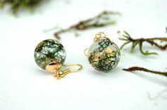 Real Moss Resin Earrings, Gold leaf and moss. Terrarium earrings. Botanical earrings. Nature jewelry. Botanical jewelry. OCEAN PETALS DESIGN