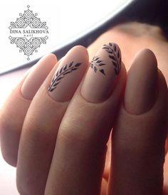 nail art facile et délicat pour ongles-courts nude
