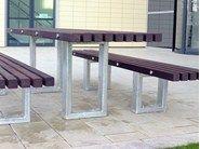 Mesa para espaços públicos em aço e madeira TORD | Mesa para espaços públicos by Factory Furniture