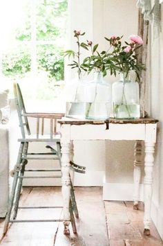 Shabby Chic Bedrooms Archives - Cute Home Designs Shabby Chic Stil, Shabby Chic Kitchen, Vintage Shabby Chic, Shabby Chic Decor, Vintage Decor, Rose Cottage, Shabby Cottage, Cottage Style, Granny Chic