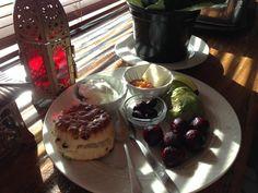 Beets w ginger/honey yogurt sarabeth current scone peach/apricot jam kalamatas olive avocado woohoo!