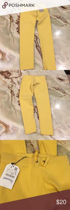 Zara Girls Soft Collection Knit leggings size 9/10 Zara Girls Leggings, Size 9/10, Color: yellow, elastic waist, fabric: cotton/ spandex , new with tag Zara Bottoms Leggings