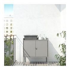 IKEA - HINDÖ, Schrank drinnen/draußen, Steht dank höhenverstellbarer Fußkappen auch auf unebenen Böden stabil.Der Abstand zwischen den Böden kann dem Bedarf angepasst werden.Robust, leicht zu reinigen und rostgeschützt durch Oberfläche aus pulverlackiertem Stahl.