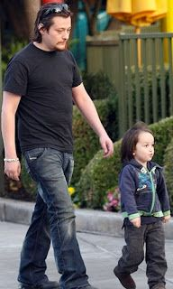 Chatter Busy: Edward Furlong Exposed Son To Cocaine Edward Furlong, Actors & Actresses, Actors Male, Beautiful Dresses, Sons, Shit Happens, Celebrities, Fasion, Peeps