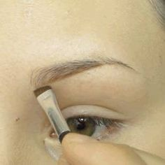 17 Genius Tricks For Getting The Best Damn Eyebrows Of Your Life ausformung bemalung maquillaje makeup shaping maquillage How To Trim Eyebrows, Filling In Eyebrows, Thin Eyebrows, Permanent Eyebrows, Perfect Eyebrows, Shape Eyebrows, Eyebrow Makeup, Dresses, Eyebrows