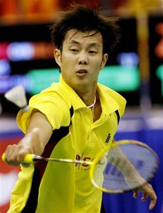 Boonsak Ponsana (born 22 February 1982 in Bangkok) is a male badminton player from Thailand. Ponsana played badminton at the 2004 Summer Olympics in men' singles, defeating Chris Dednam of South Africa and Lee Hyun-il of Korea in the first two rounds. In the quarterfinals, Ponsana defeated Ronald Susilo of Singapore 15-10, 15-1. Ponsana advanced to the semifinals, in which he lost to Taufik Hidayat of Indonesia 15-9, 15-2. Badminton Match, Lee Hyun, Sport Online, Summer Olympics, Bangkok, South Africa, Singapore, Thailand, February