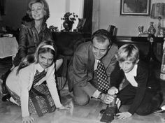 01/02/1976. Los Reyes de España con el Príncipe de Asturias y la Infanta Cristina.