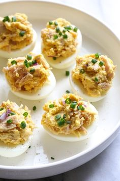 These Tuna Stuffed Deviled Eggs are perfect to pack for lunch or serve as an appetizer! Tuna Recipes, Ww Recipes, Seafood Recipes, Salad Recipes, Cooking Recipes, Skinnytaste Recipes, Turkey Recipes, Snack Recipes, Dinner Recipes