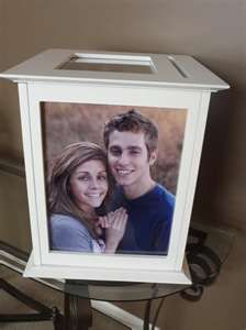 cute way to incorporate pictures in the card box