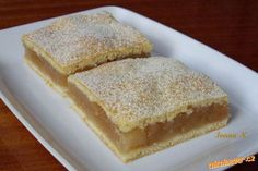 Plněné jablkové řezy. Apple Dessert Recipes, Apple Recipes, Sweet Recipes, Slovak Recipes, Czech Recipes, Healthy Cake, Healthy Desserts, Polish Recipes, Baked Goods