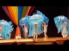 Танец медуз - YouTube Daycare Design, Christmas Dance, Movement Activities, Cool Science Experiments, Music And Movement, School Decorations, Talent Show, Dance Videos, Pre School