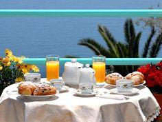 #Buongiorno. A chi va una colazione con vista #mare? ^_^
