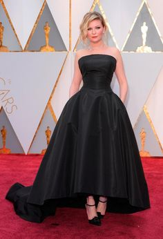 Kirsten Dunst in Dior Couture at the Oscars 2017