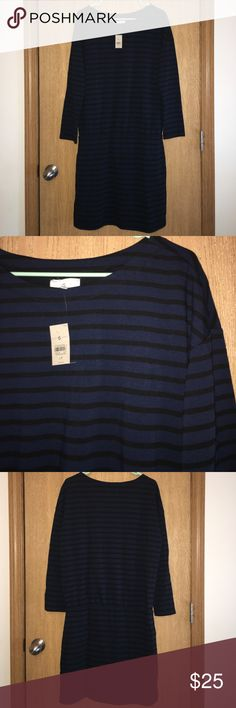 Lou & Grey dress NWT Lou & Grey petite large striped dress with elastic waist line. Lou & Grey Dresses