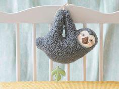 Spieluhren - Spieluhr-Faultier, grau - ein Designerstück von Petiti_Panda bei…