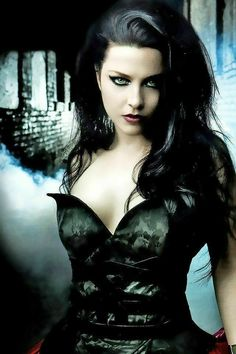 ♡ Pastel soft grunge aesthetic ♡ ☹☻ Amy Lee (of Evanescence) ☾::❤︎☽ Hot Goth Girls, Gothic Girls, Emy Lee, Most Beautiful Women, Beautiful People, Amy Lee Evanescence, Women Of Rock, Goth Women, Goth Beauty