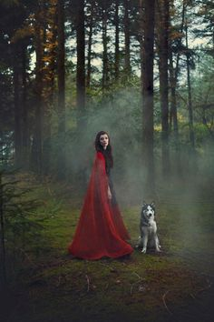 Red Riding Hood by - - Fantasy Photography, Creative Photography, Dark Fantasy, Fantasy Art, Images Esthétiques, Red Ridding Hood, Psychedelic Drawings, Foto Pose, Disney Wallpaper