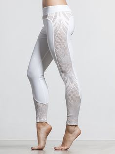 When you need to look good and perform better, the Lace Block Leggings from Solow have your name written all over them. The lace side-panels provide superior breathability and airflow while adding a dash of style that you don't often see in a pair of leggings; add in a flawless fit and comfort waistband and you've got a recipe for success.