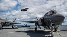 Terrifying forces deployment in the Black Sea – British warships rush to the area – VIDEO F35 Lightning, Lightning Aircraft, Hms Queen Elizabeth, Russian Military Aircraft, Royal Air Force, Aircraft Carrier, Royal Navy, Navy Ships, War Machine