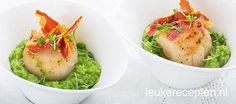 Scallops with avocado pea puree - Chic but easy scallop appetizer on pea puree and avocado with crispy pancetta - Tapas, Fish Dishes, Tasty Dishes, Good Food, Yummy Food, High Tea, Diy Food, Fish Recipes, Food Inspiration