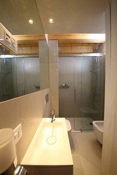 foto di bagno in stile in stile moderno il piccolo bagno di servizio