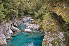 Piscine blu vicino Haast Pass, National park-Westland, Isola del Sud, Nuova Zelanda