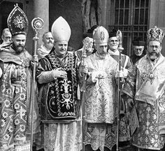 Western and Eastern Catholic Bishops together Catholic Bishops, Roman Catholic, Juan Xxiii, Roman Church, Christian Warrior, Religion Catolica, Pope John, Christian Church, Blessed Mother